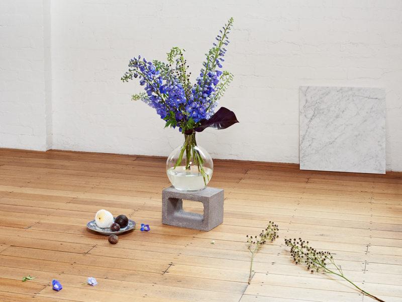one type en masse whitemoss flowers florist melbourne victoria australia same day delivery cbd